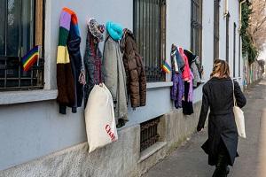 Muro gentilezza: donate 10 tonnellate indumenti