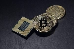 Frenata Bitcoin, salita costante di Ethereum