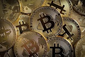 In salita Doge e ADA, oscillano Bitcoin ed Ethereum