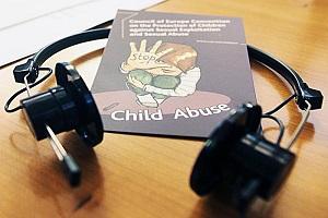Abusi su 15enne disabile in DAD