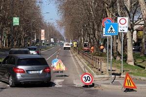Fratelli d'Italia: la guerra agli automobilisti crea una trappola di traffico e smog