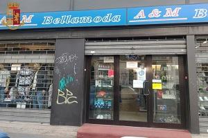 Sospesa la licenza a bar e negozio di abbigliamento
