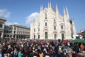 In Duomo Milano centinaia No vax senza mascherina