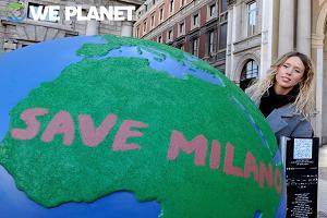 In piazza Duomo 50 globi d'artista per raccontare un futuro sostenibile