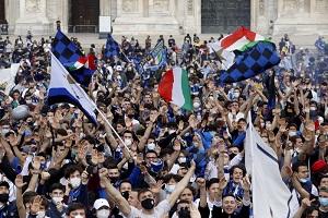 Confcommercio: folla in Duomo e locali chiusi