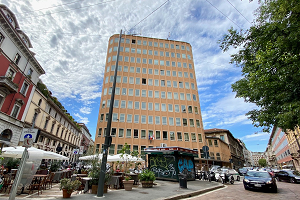 Palazzo di largo Treves aggiudicato per 52,7 milioni