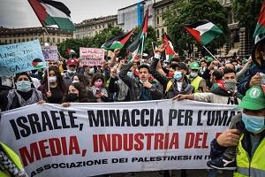 Centinaia in piazza per manifestazione pro Palestina