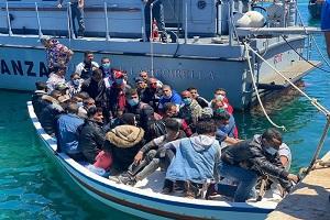 Truffa onlus sui migranti: 10 condanne