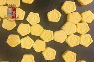 Arrestato spacciatore di pastiglie di anfetamina marchiate Bitcoin