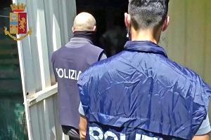 Documenti falsi per terroristi: sette arresti