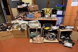 Sequestrati oltre 360 accessori realizzati con pellami di animali a rischio estinzione